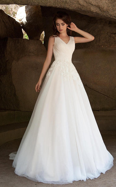 {DorrisDress}{Wedding Dress}-{714635}-front(right)