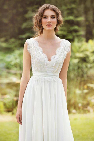 Plunged Sleeveless Chiffon Pleated Wedding Dress With Lace And Bow-715004