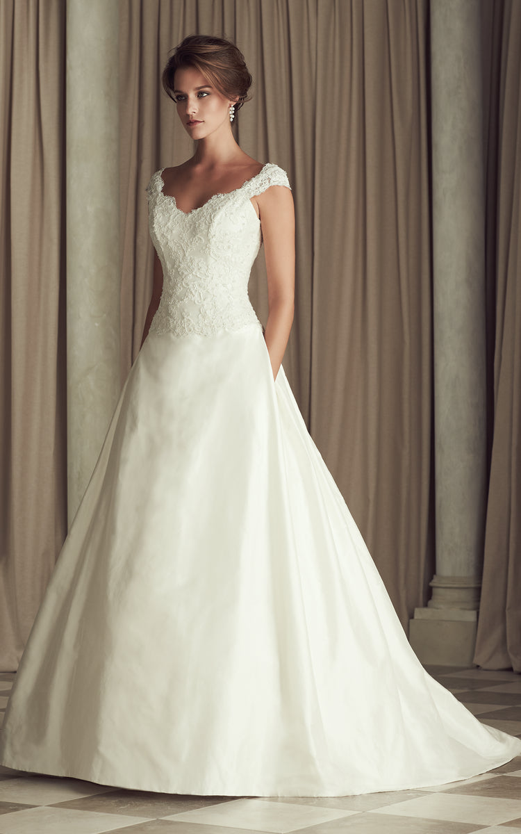 Cap-Sleeved Long Satin Dress With Lace Bodice