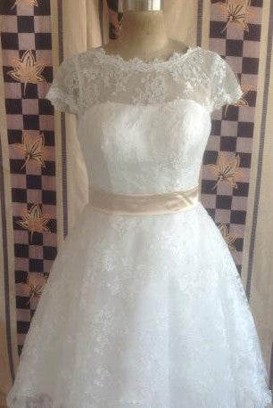 High Quality Jewel Neck Short Sleeve Vintage Lace Wedding Dresses