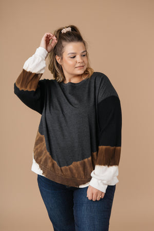 Tie Dye Chevron Pullover In Black