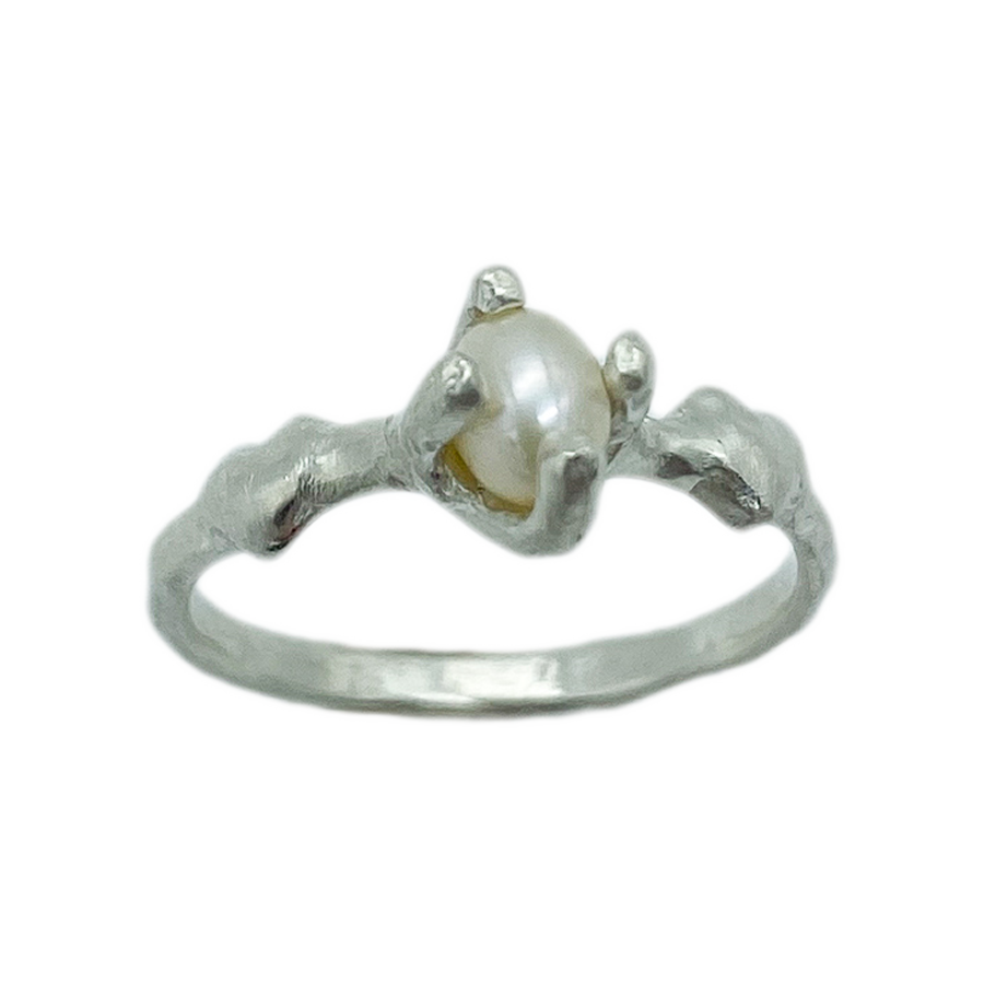 Pearl Lover Ring - Holliegraphic