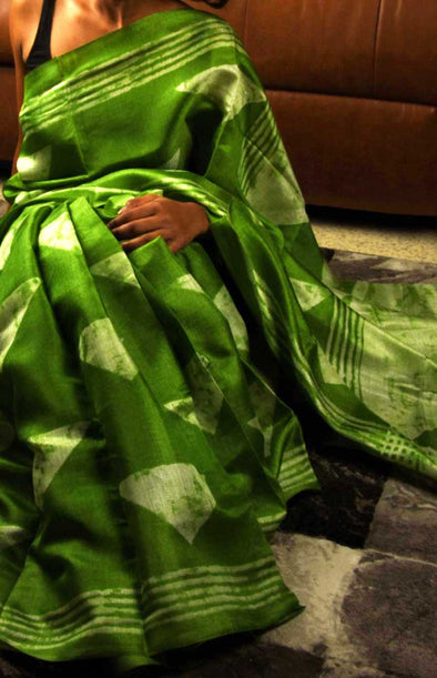 Green Saree In Geometric Print