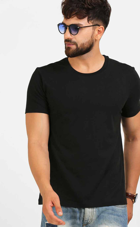 Plain-Black-T-Shirt-In-Half-Sleeve