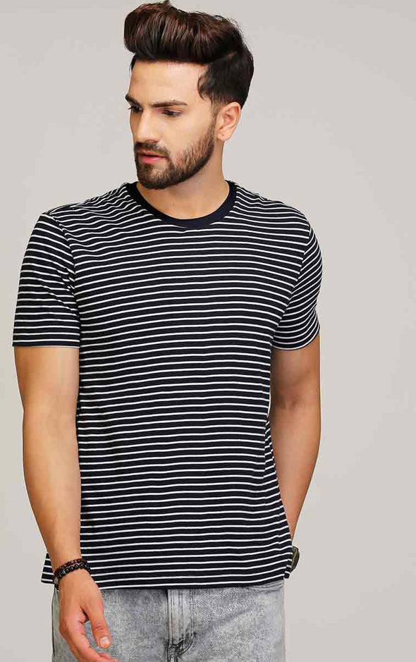 Navy blue round neck striped t shirt