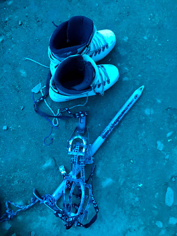 Crambons Snow Boots Ice Axe Snow Trekking Equipment Stok Kangri