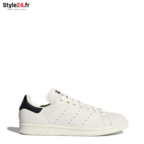 Adidas - StanSmith Chaussures Sneakers white / 4.5 -10% 50-100 adidas Brand_Adidas Category_Chaussures chaussures-sneakers www.style24.fr