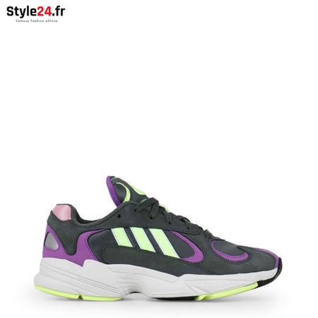 Adidas - YUNG-1 Chaussures Sneakers black / UK 3.5 -20% Brand_Adidas Category_Chaussures Color_Noir Gender_Unisex Subcategory_Sneakers