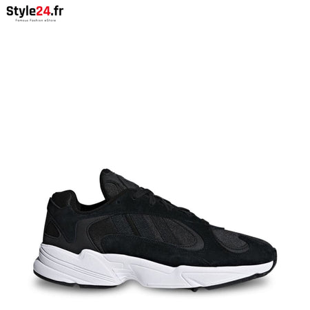 Adidas - YUNG-1 Chaussures Sneakers black / UK 6.5 -20% Brand_Adidas Category_Chaussures Color_Noir Gender_Unisex Subcategory_Sneakers