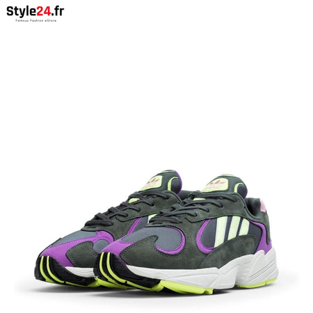 Adidas - YUNG-1 Chaussures Sneakers Brand_Adidas Category_Chaussures Color_Noir Gender_Unisex Subcategory_Sneakers www.style24.fr