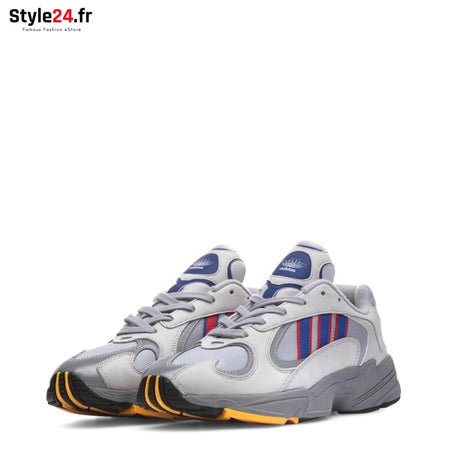 Adidas - YUNG-1 Chaussures Sneakers Brand_Adidas Category_Chaussures Color_Gris Gender_Unisex Subcategory_Sneakers www.style24.fr