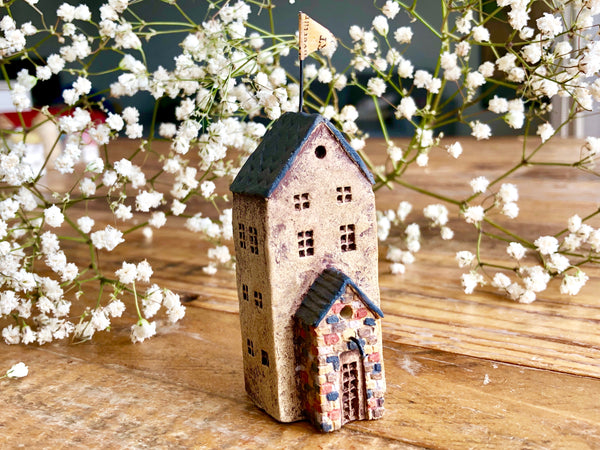 "Lovely one-of-a- kind handmade clay house from ""Casetta"" - Building"