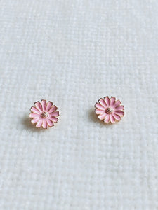Pink Daisy Stud earrings