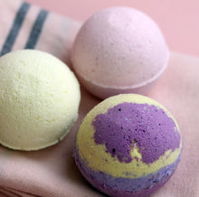Bath Bomb Treats, Prosecco, Gin or Cocktail.