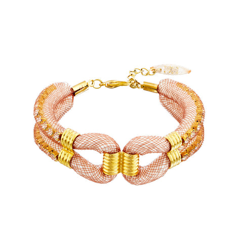 his soft mesh arm cuff called the 'Clove Cuff' is just perfect to add that hint of colour to your wardrobe. It is easy to wear and is made with a 3cm extension gold plated chain
