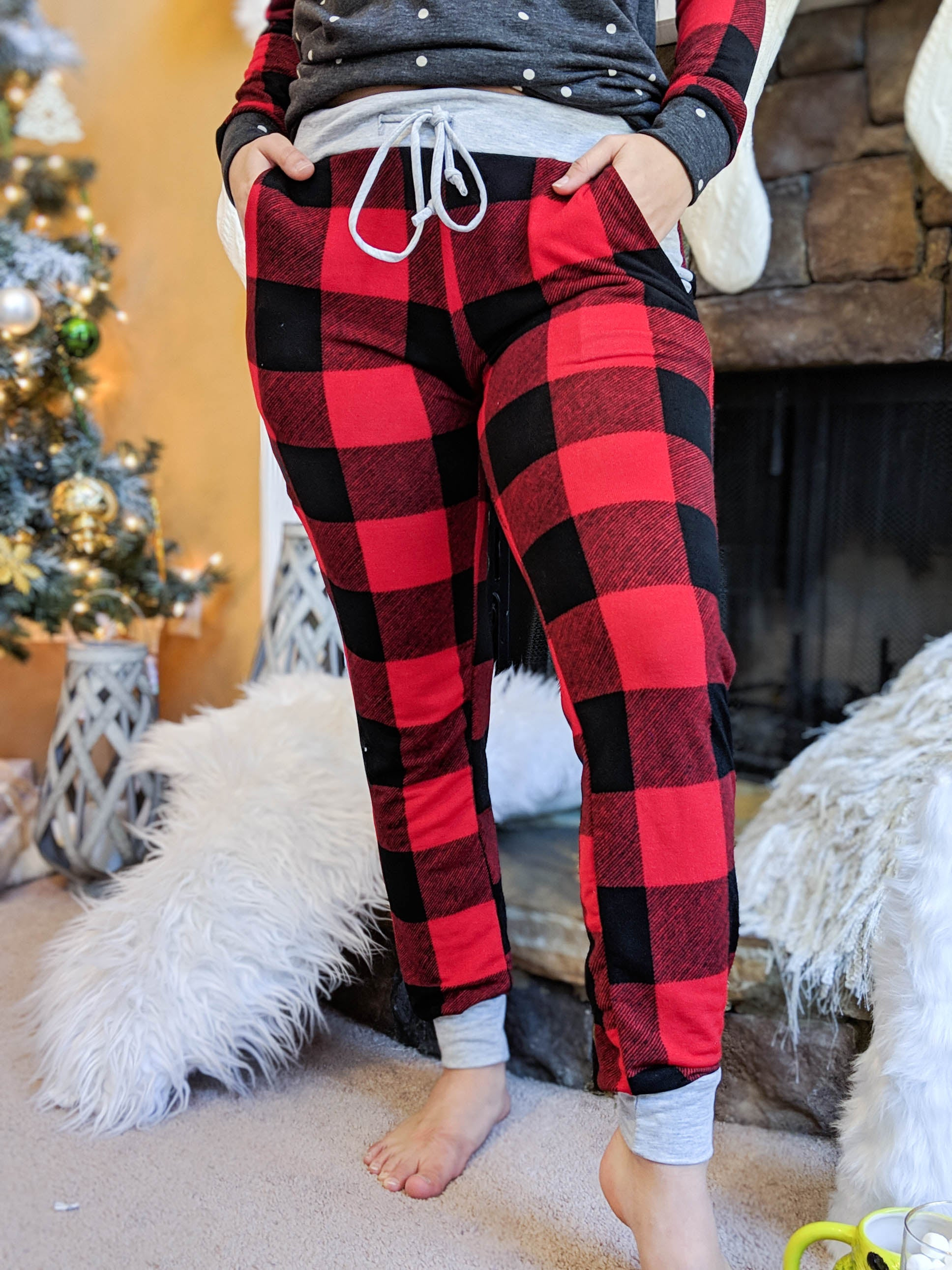 Cozy Christmas Plaid Joggers - The Flawless Babe Boutique