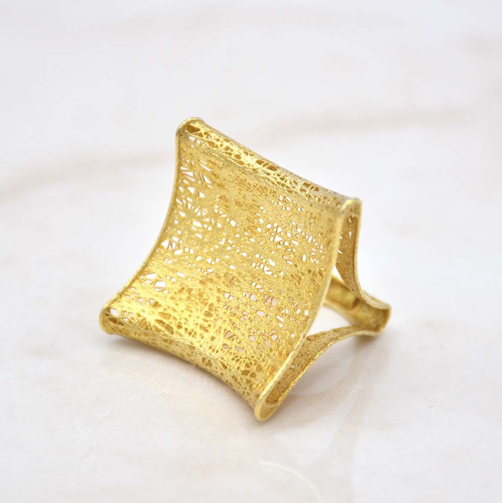 Manhattan Gold Ring
