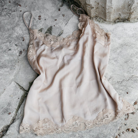 Cape Lace Nude