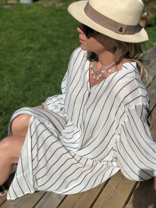 Beach dress White/black stripe
