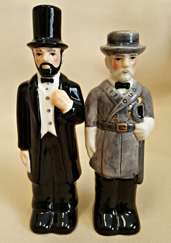 Lincoln and Lee Salt & Pepper Shakers