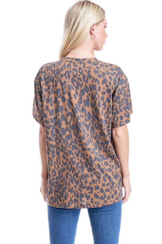 COOL MOM LEOPARD GRAPHIC TEE
