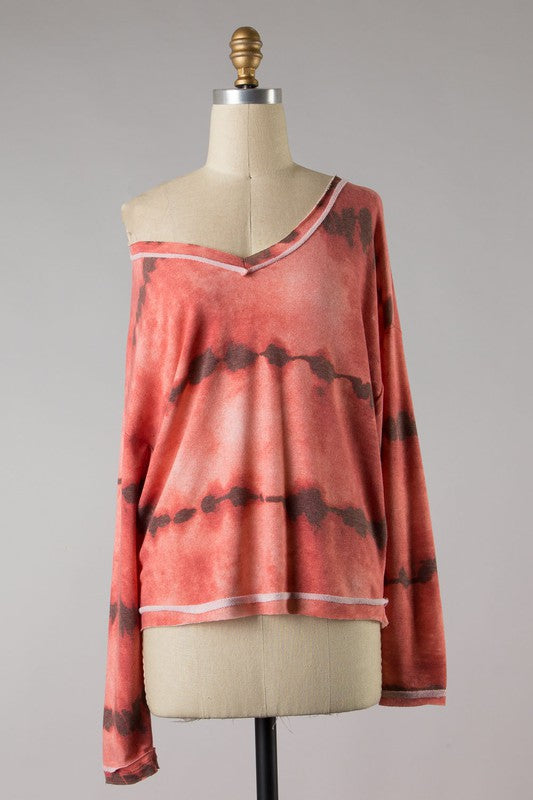 HEAT OF THE MOMENT TIE DYE TOP