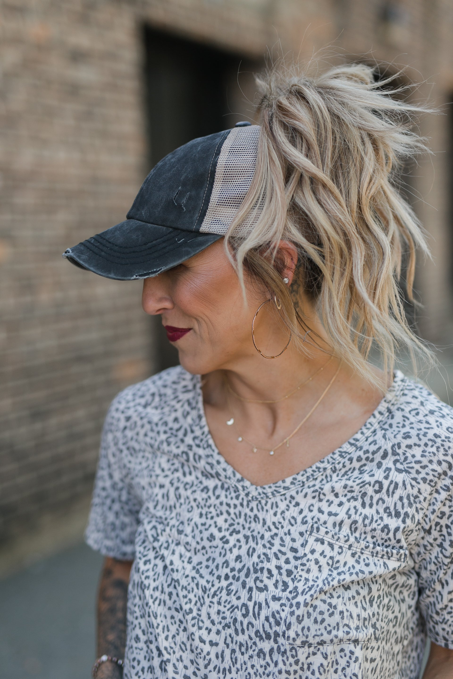 CC WASHED DENIM CROSS BACK PONYTAIL HAT