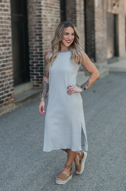 AUDREY KNIT MIDI DRESS - GREY