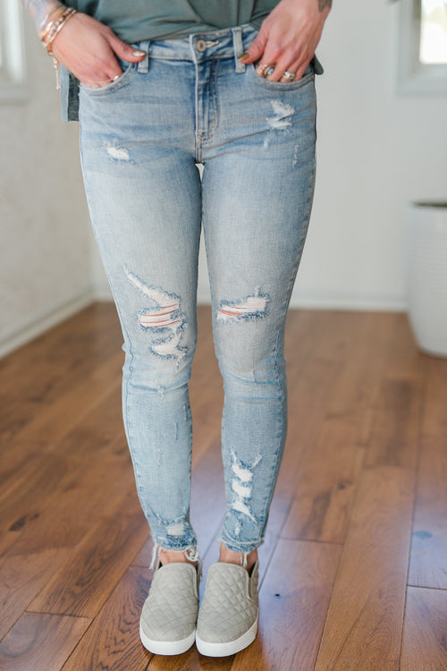 BE LIKE HER DISTRESSED DENIM