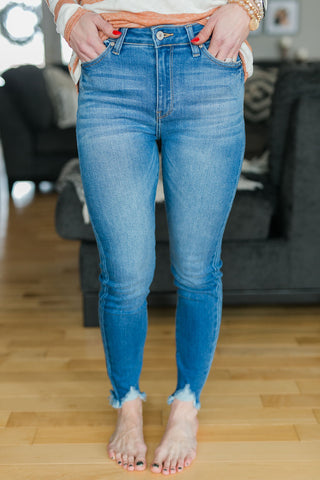 CARTER MID RISE DENIM