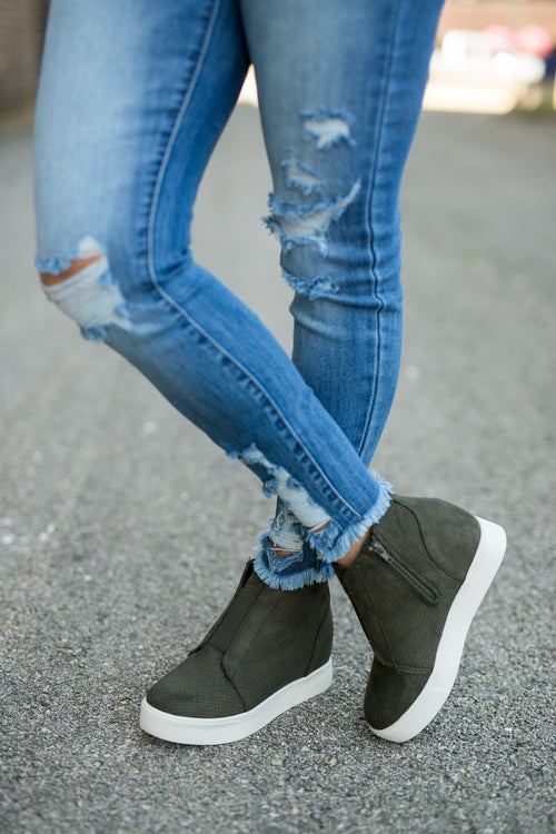 KELSEY WEDGE SNEAKERS- OLIVE