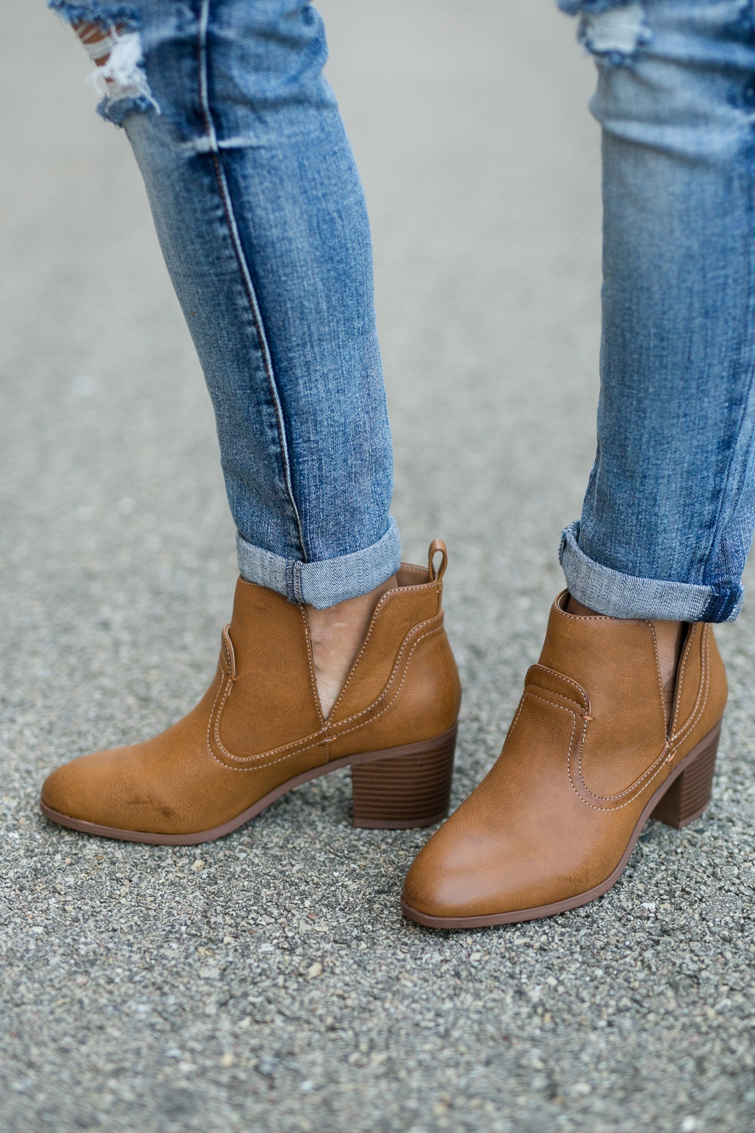 LIMITLESS V CUT BOOTIE- TAN