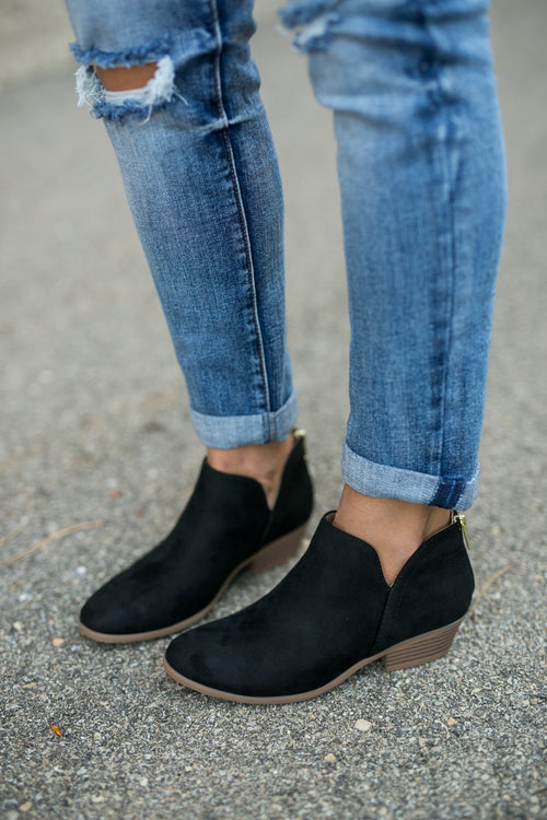 ON THE GO BOOTIE- BLACK