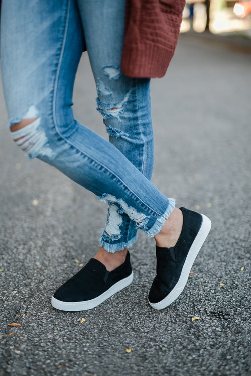 ONE STEP AWAY BLACK SNEAKER