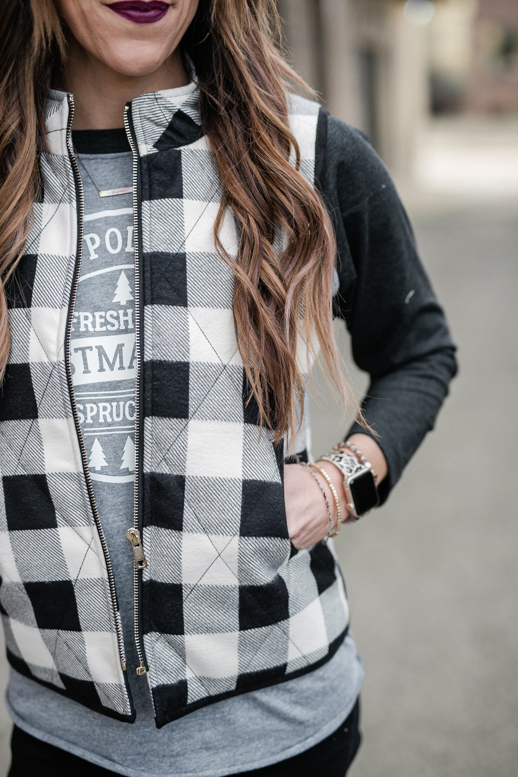 HOLIDAY READY PLAID VEST - BLACK/IVORY