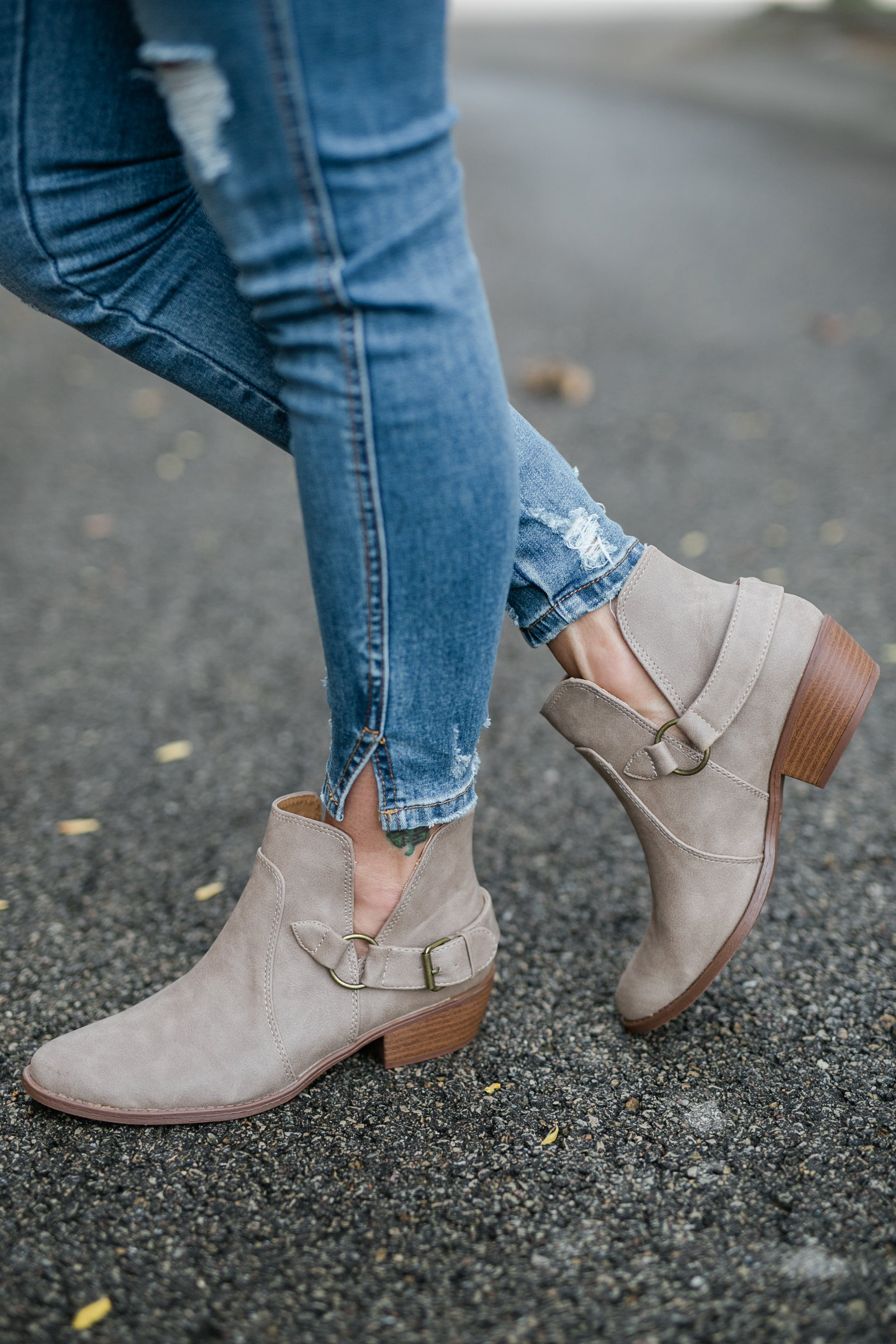 MIDWEST ANKLE BOOTIE- TAUPE