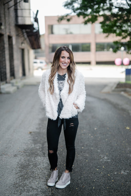 FAUX FUR OPEN-FRONT JACKET: CREAM
