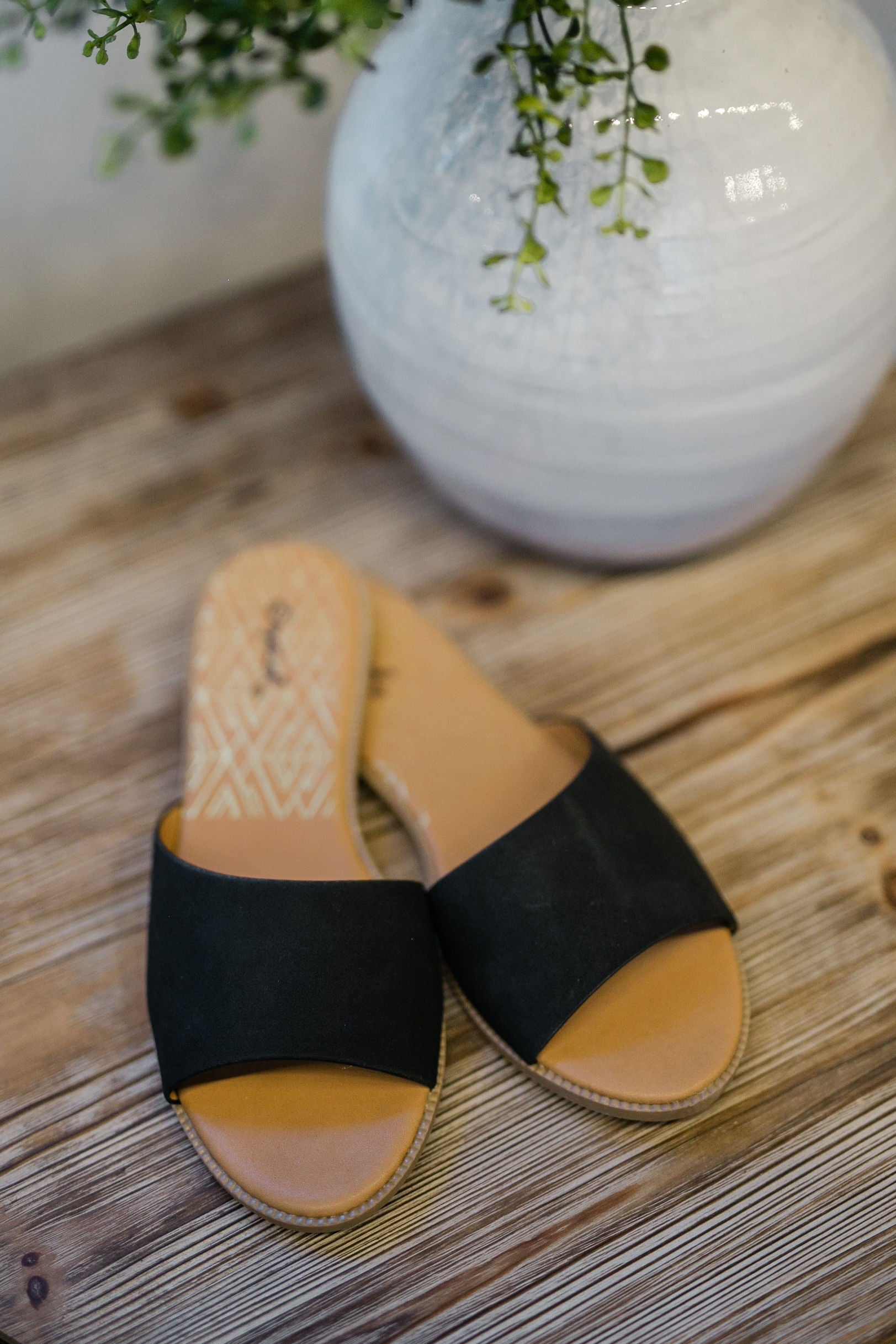 LOGAN SLIDE SANDAL - BLACK