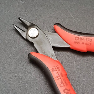 Red Handle Ergo Cutter