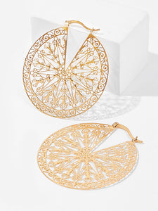 Gold Tone Delicate Pattern Cut Out Round Earrings 1pair
