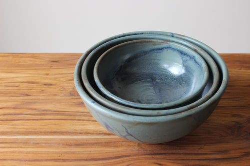 Nesting Bowls in Wellhouse Blue