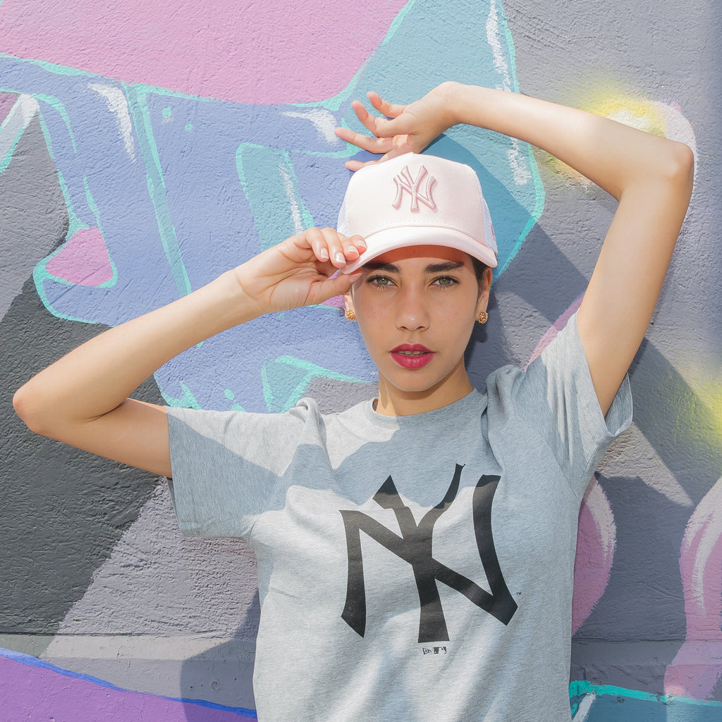 Women´s League Essential x New Era