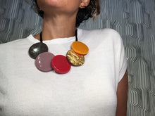 Discs Polyresin Necklace