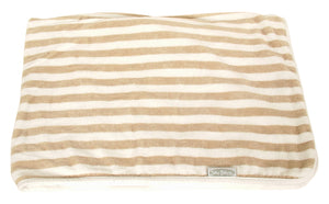 Silly Billyz - Organic Snooze Blanket https://babystuff.co.nz/products/silly-billyz-organic-snooze-blanket This plush striped organic snooze blanket with jersey backing is simply heavenly. Made with 100% organic cotton, its beautifully soft making it the perfect for keeping little ones warm during nap time or gives them a nice soft surface for tummy time. At 75 cm x 100 cm, the versatile size of the snooze blanket makes it...