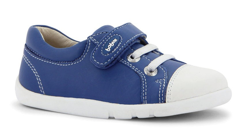 Bobux - step up - Ice-Cap Casual Trainer - Cobalt https://babystuff.co.nz/products/bobux-step-up-ice-cap-casual-trainer-cobalt The new Step Up shoe range from Bobux accommodates the shape and stability needed during the vital months when little ones first learn to be vertically mobile.The Step Up range is designed on shoe forms that reflect the distinctive anatomy of a first walkers foot. This accommodates the childs rounder foot shape and all..