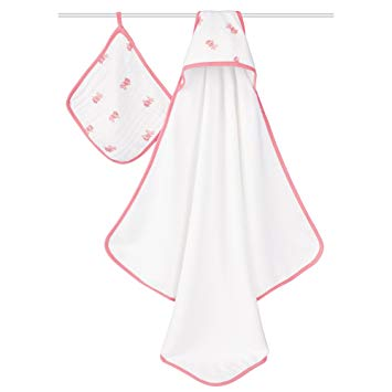 Aden + Anais - Hooded Towel + Washcloth Set - Bathing Beauty https://babystuff.co.nz/products/aden-anais-hooded-towel-washcloth-set-bathing-beauty Little heads stay warm and dry with the aden + anais hooded towel and washcloth set. The 100% cotton muslin washcloth is gentle against baby's skin and the soft cotton terry hooded towel makes this set a bath time essential.