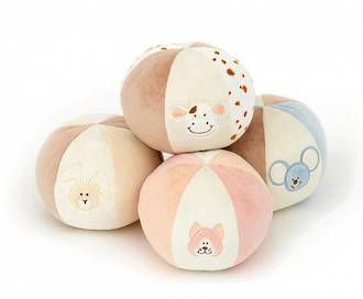 Diinglisar - Chiming Ball https://babystuff.co.nz/products/diinglisar-chiming-ball The Diinglisar Chiming Ball with a lovely soft sounding chime when shaken. It has the same soft material as other Diinglisar products.
