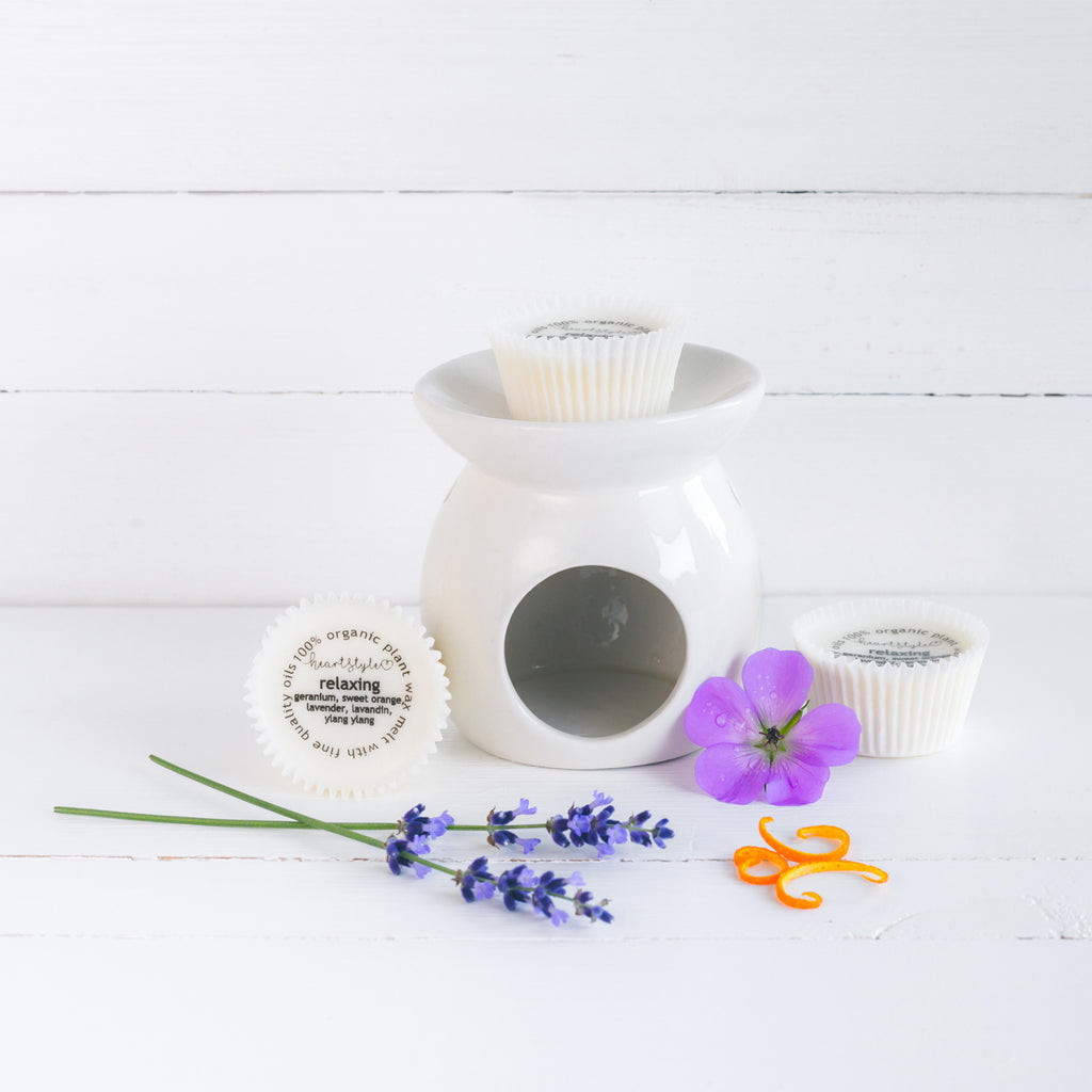 Three Relaxing Wax Melts & Ceramic Oil Burner Gift Pack