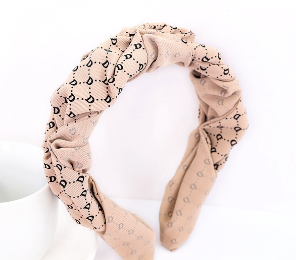 Twist and Turn Headband Beige