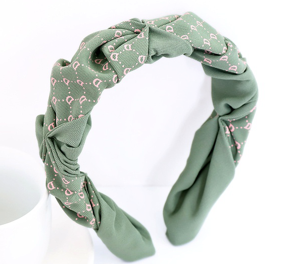 Twist and Turn Headband Green